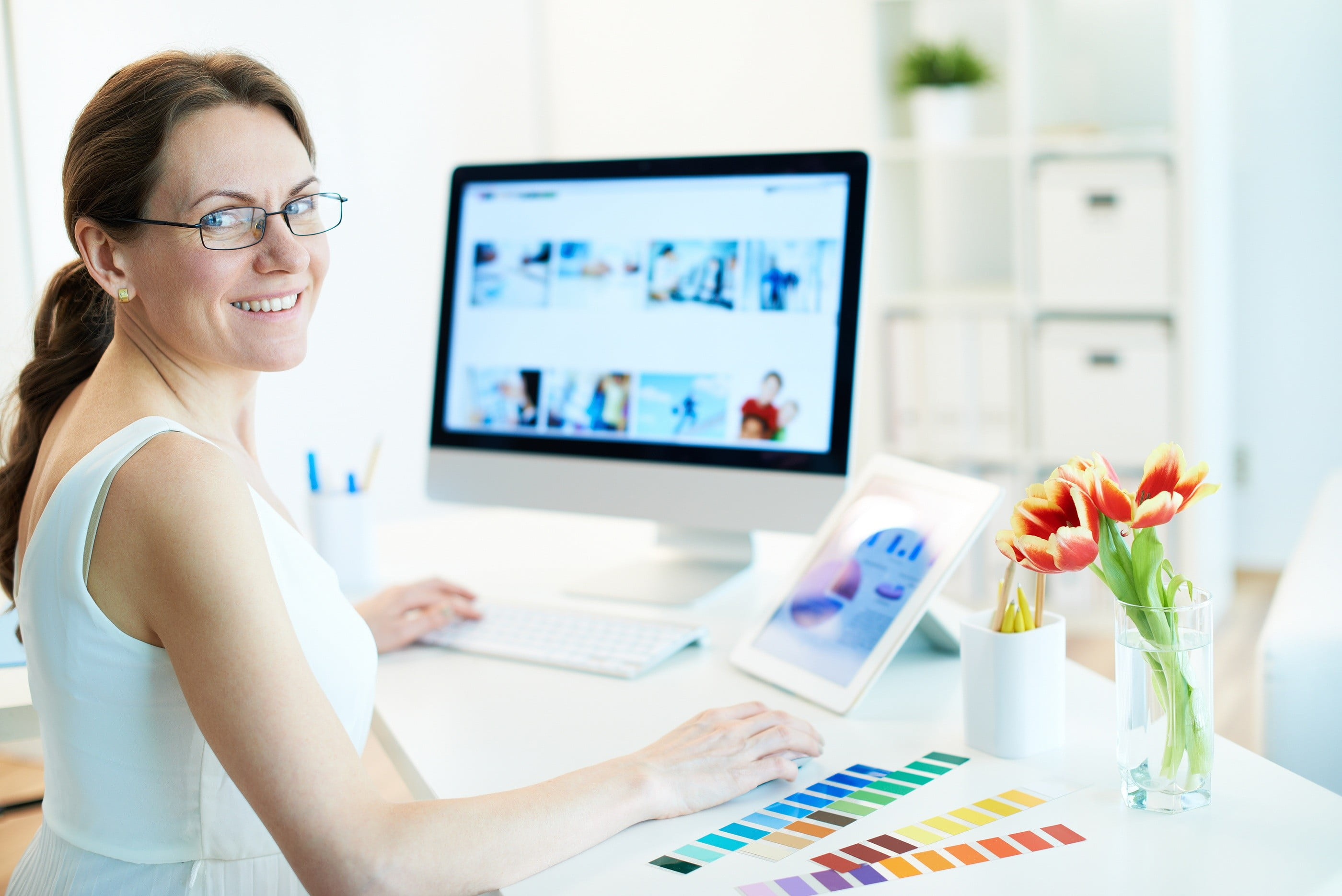 How Graphic Designers Can Make Money